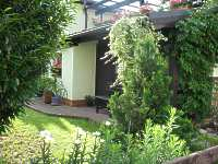 sitzplatz garten terrasse planung gestaltung terrasse bodenbelag. Black Bedroom Furniture Sets. Home Design Ideas